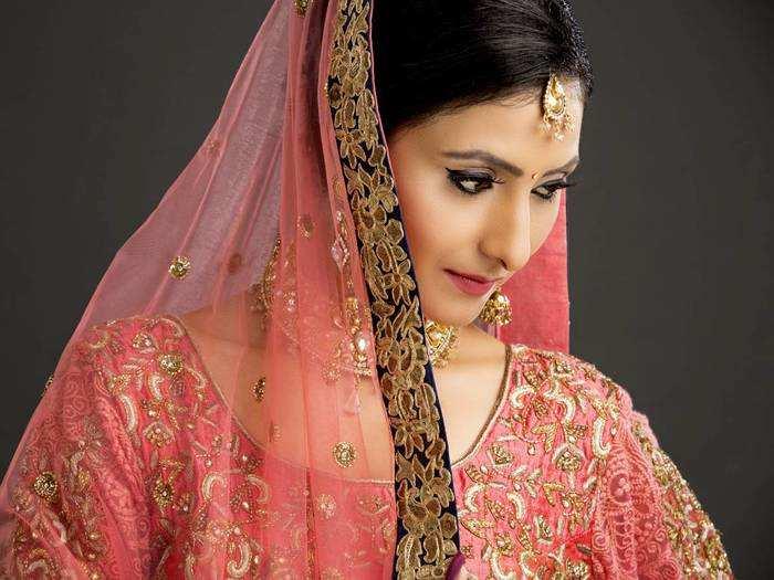 Bridal Lehenga Choli : इन Lehenga Choli से खूबसूरती में लग जाएंगे चार चांद