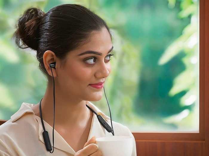 Fab Phones Fest : इस सेल में Headphone, Earphone और Earbuds पर मिल रही है 57% तक की छूट