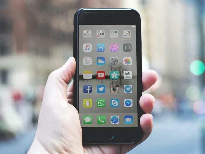 Smartphones : 12 GB RAM तक वाले Smartphones खरीदने का ये मौका हाथ ने ना जाने दें