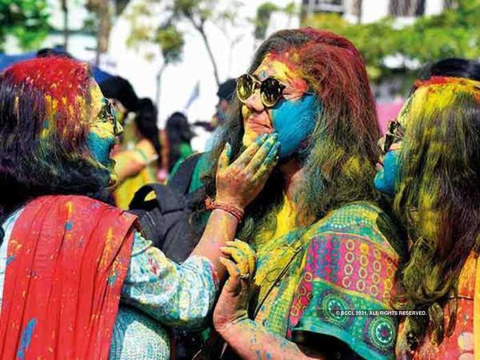 holi 2021 guidelines list of states who banned playing holi in public