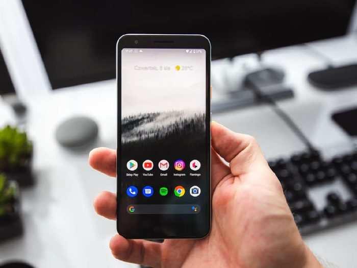 Smartphone : इन Budget Range Smartphone में मिले रहे हाई फई लेटेस्ट स्मार्ट फीचर, जानें क्या है खास