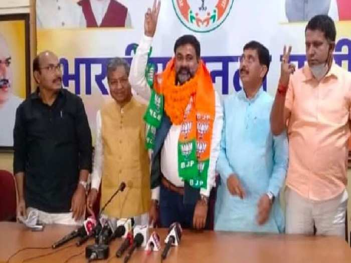 Madhupur By-Election 2021: आजसू छोड़ कमल थामने वाले गंगा नारायण को मिला इनाम, बीजेपी ने बनाया मधुपुर सीट से प्रत्याशी