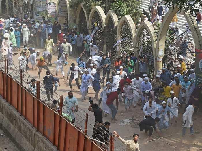 protest against pm narendra modi bangladesh visit, hefazat-e-islam 4 people killed in clash photos