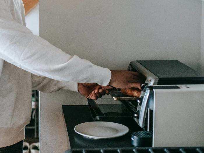 Microwave Oven : इस कनवेक्शन Microwave Oven की खरीद पर मिल रही 44% की छूट
