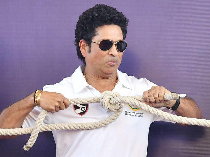 shoaib malik to abhishek bachchan these celebs wishes speedy recovery to sachin tendulkar who tested covid-19 positive