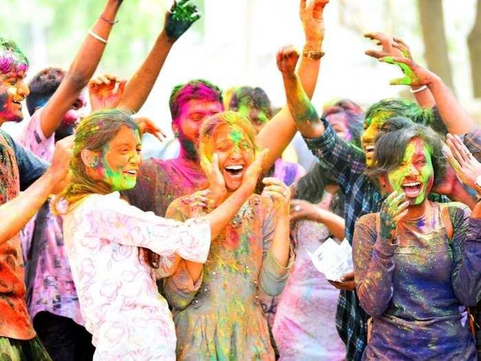 holi 2021 things to remember while celebrating holi amid covid 19