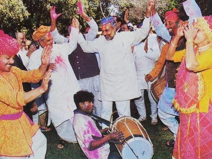 Modi-Holi-Vajpayee