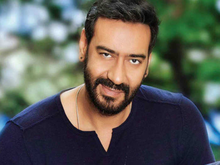 ajay devgan spokesperson tells video truth: Ajay devgan beating video: बॉलिवुड ऐक्टर अजय देवगन की कथित पिटाई का वीडियो सोशल मीडिया पर वायरल हो रहा है। - Navbharat Times