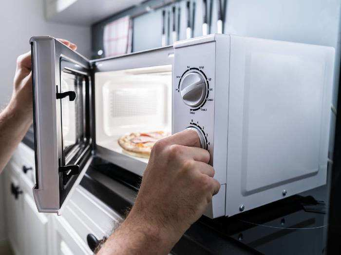 स्मार्ट कुकिंग के लिए ट्राय करें ये बेस्ट Microwave Oven, मिल रहा है खास ऑफर