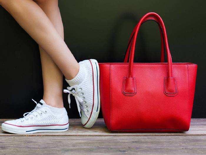 इन क्लासी Handbags को देख पड़ोसन भी करेंगी तारीफ, आधे से भी कम दाम में यहां से खरीदें