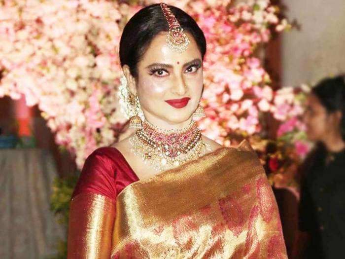 vinod mehra mother almost beat her up rekha with a sandal for this reason