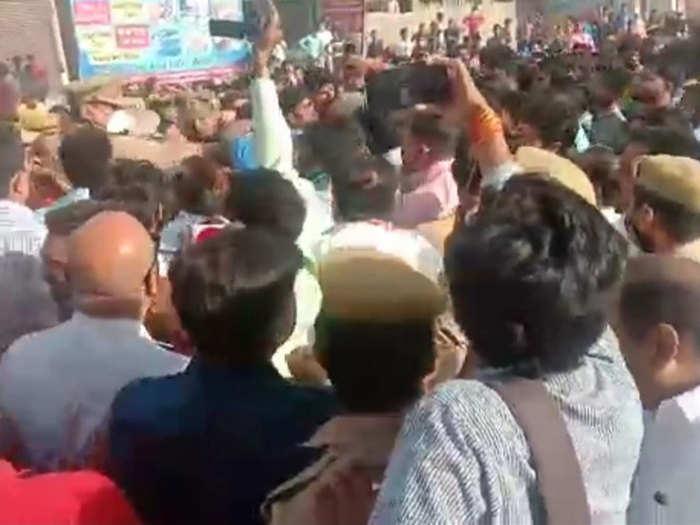 बीजेपी नेताओं ने लगाया जाम