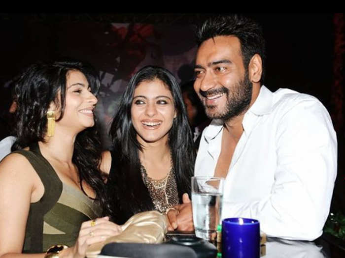 Ajay devgn fans reached his residence to wish him on his birthday