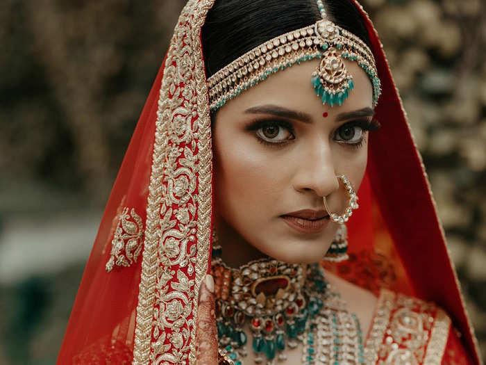 brides of sabyasachi in red lehenga looks beautiful like deepika padukone and priyanka chopra