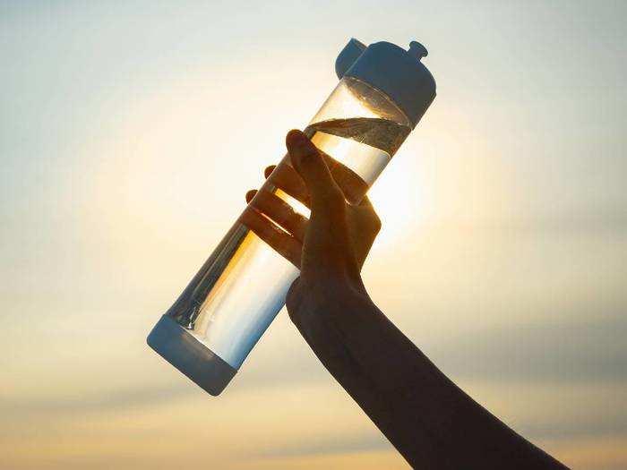 Water Bottles Set : मात्र और मात्र 382 रुपये में मिल रहा है ये Bottle Set, खरीदने में न करें देर