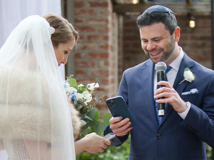 अमेरिका में अनोखी वर्चुअल शादी, ऑनलाइन पर पहनाई डिजिटल अंगूठी, खाई कसम