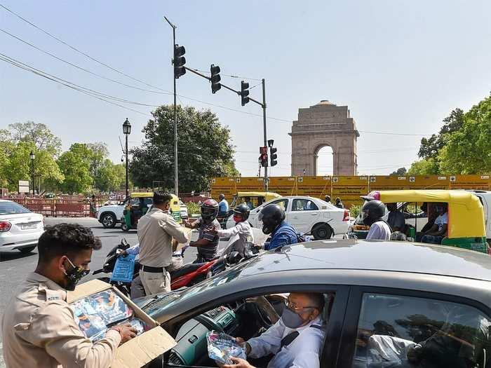 Delhi Weather Today: थोड़ी राहत के बाद दिल्ली में फिर चढ़ा पारा, जानें ठंडी हवाओं के झोंके कब आएंगे दोबारा