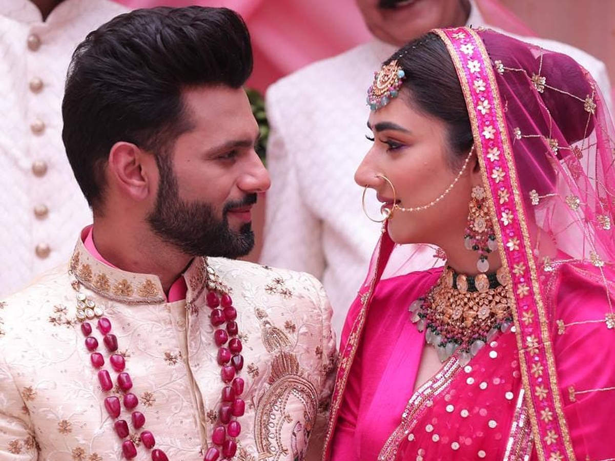 Rahul Vaidya & Disha Parmar Wedding Video: राहुल वैद्य ने दिशा परमार से अभी नहीं की है शादी, वायरल वीडियो पर बोले- डंके की चोट पर करूंगा - Navbharat Times