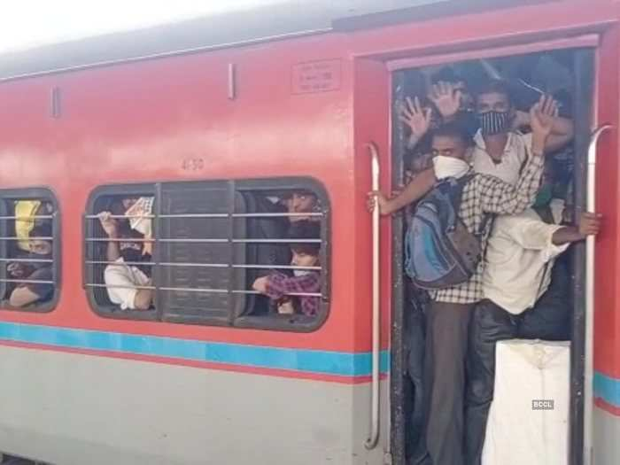 indian railways announcement about boarding in trains amid covid-19 2nd wave