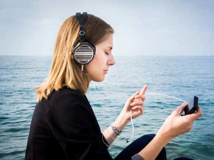 दमदार साउंड क्वालिटी में लेना है म्यूजिक का मजा तो जरूर खरीदें यह Headphones