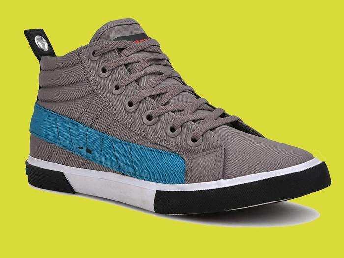 इन Mens Shoes से मिलेगा कंप्लीट स्टाइलिश लुक, हैवी डिस्काउंट पर खरीदें