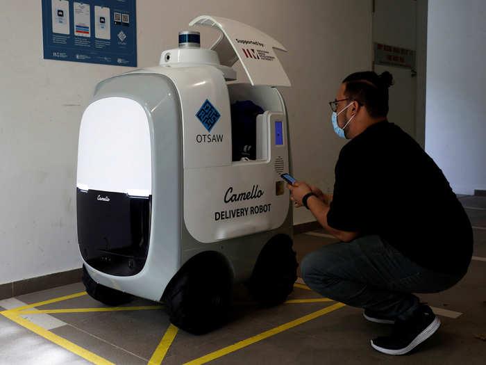 घर पर राशन डिलीवर कर रहे हैं रोबोट, ऐप के जरिए करना होगा ऑर्डर