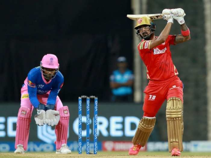 ipl 2021 rr vs pbks are punjab kings wearing old rcb jersey?