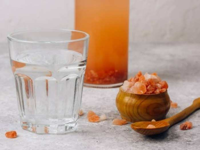 is drinking water with himalayan salt good for you in the morning