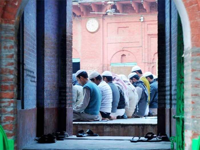 Madrasa 01
