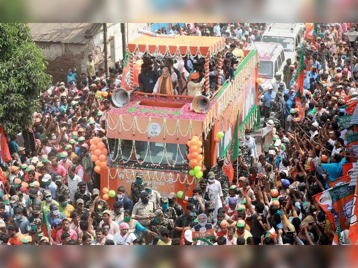 पश्चिम बंगालमध्ये गृहमंत्री अमित शहांच्या रॅलीतील एक दृश्यं