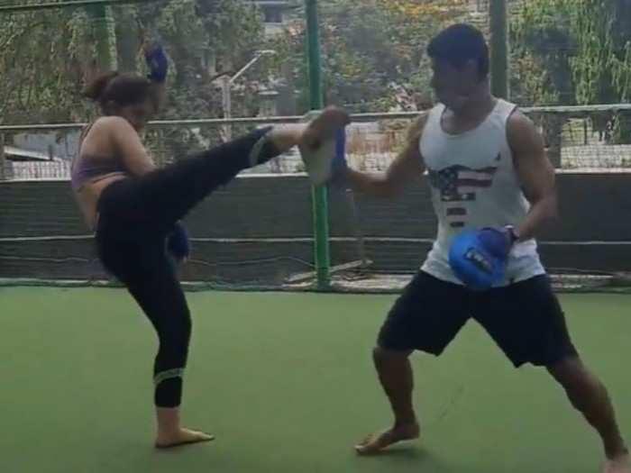 Video: बॉयफ्रेंड नुपूरसोबत किक बॉक्सिंग करत होती आयरा खान आणि अचानक...