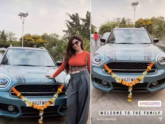 रेहाना पंडित ने खरीदी नई कार