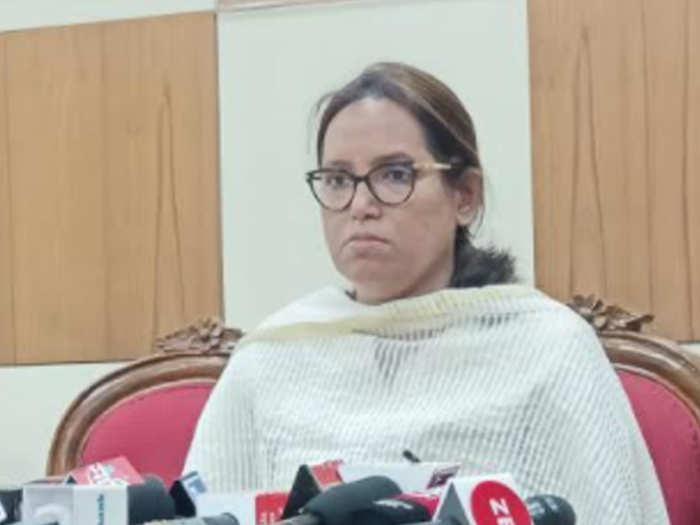 राज्यातल्या दहावीच्या परीक्षा तूर्त तरी रद्द नाहीत: शिक्षणमंत्री