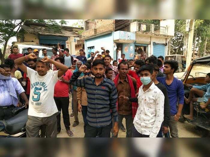 Panchayat chunav UP : गोरखपुर के इस गांव में वोट देने नहीं पहुंचे लोग, जानें क्यों किया मतदान का बहिष्कार?
