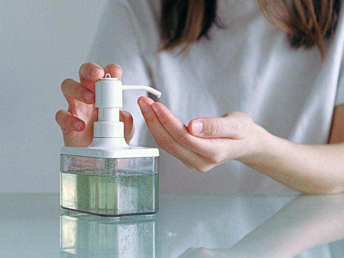 Sanitizer For Corona : इस्तेमाल करें ये Hand Sanitizers और कोरोना से रहें सेफ