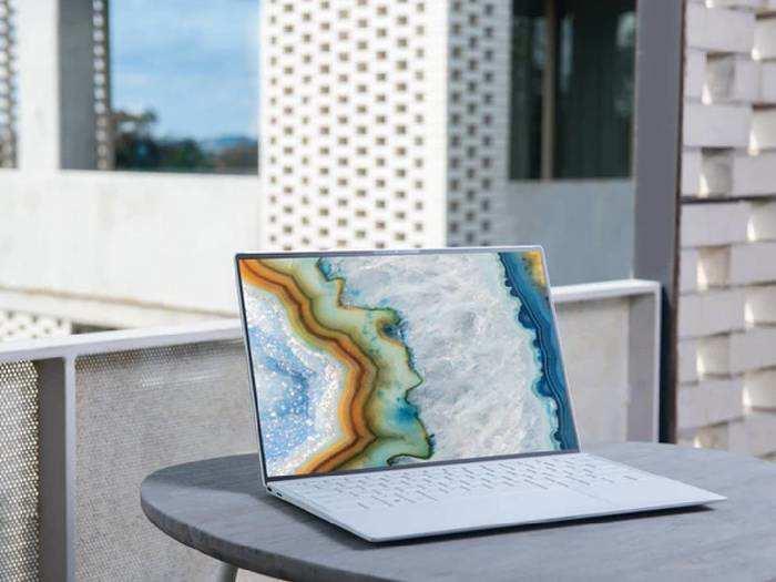 Laptops : बढ़िया फीचर्स और लेटेस्ट कॉन्फिगरेशन वाले Laptops भारी डिस्काउंट के साथ खरीदें