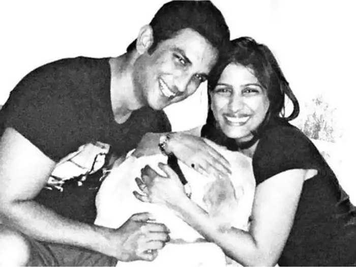 सुशांत सिंह राजपूत के साथ उनकी बहन प्रियंका