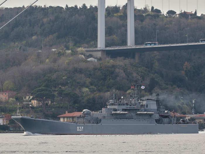 ब्लैक सी में तैनात रूसी जहाज