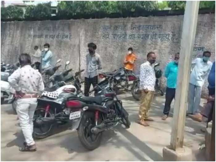 madhya pradesh coronavirus update news : shivraj sarkar stuck on coronavirus death and cremation ghat figures