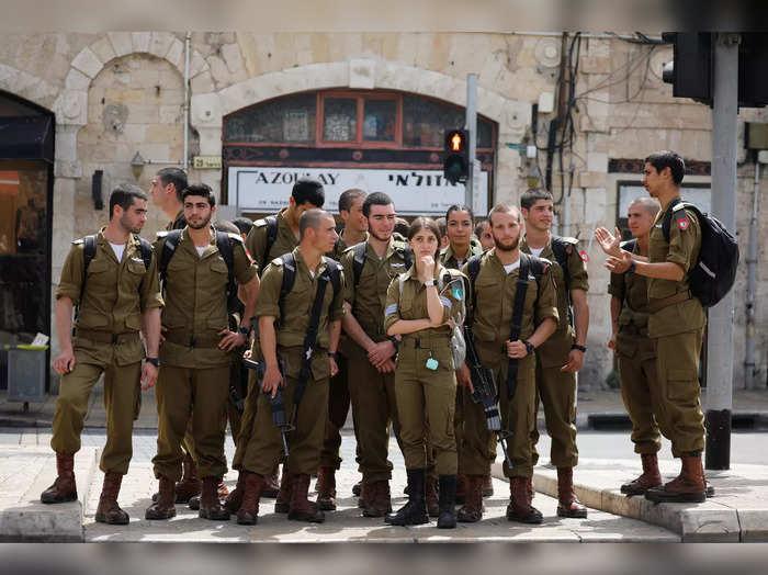 Israel rescinds outdoor coronavirus mask requirement