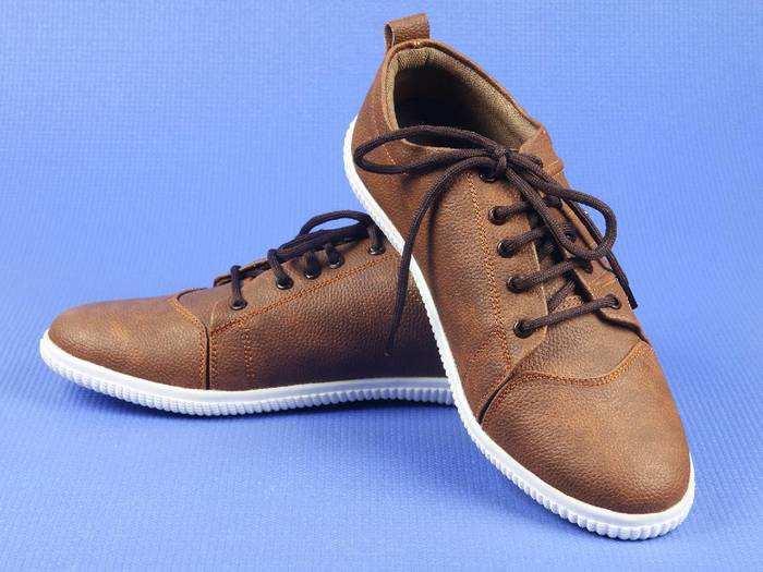 Casual Shoes For Men : समर सीजन में चाहिए स्टाइलिश और हैंडसम लुक तो खरीदें ये Shoes