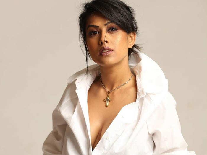 निया शर्मा