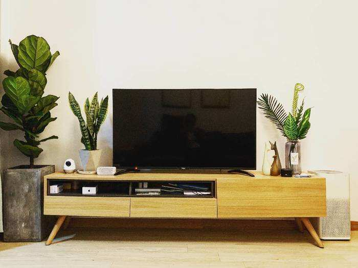 Smart Tv : सिर्फ 25,499 रुपए में घर ले जाएं ये Smart TV, मिल रहा है खास ऑफर