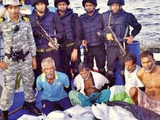 नौदलाने केले तब्बल तीन हजार कोटींचे अमली पदार्थ जप्त