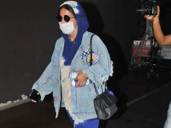 Hina Khan At Airport