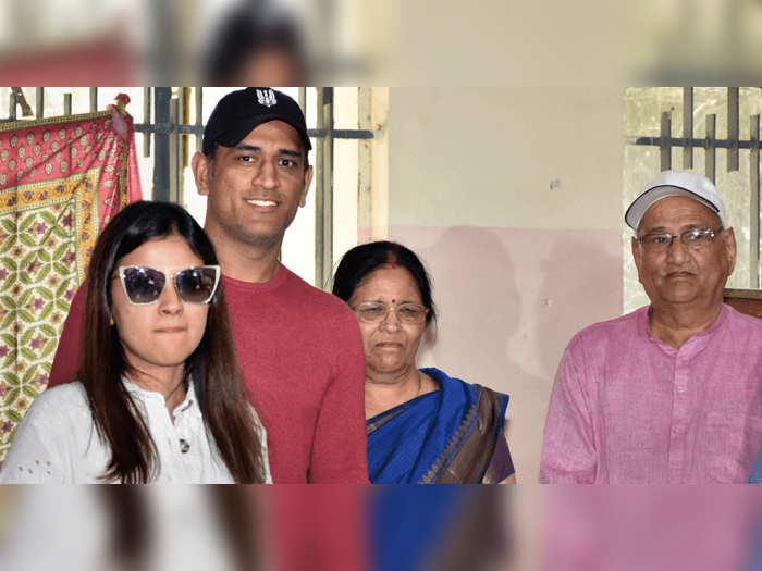 dhoni family.