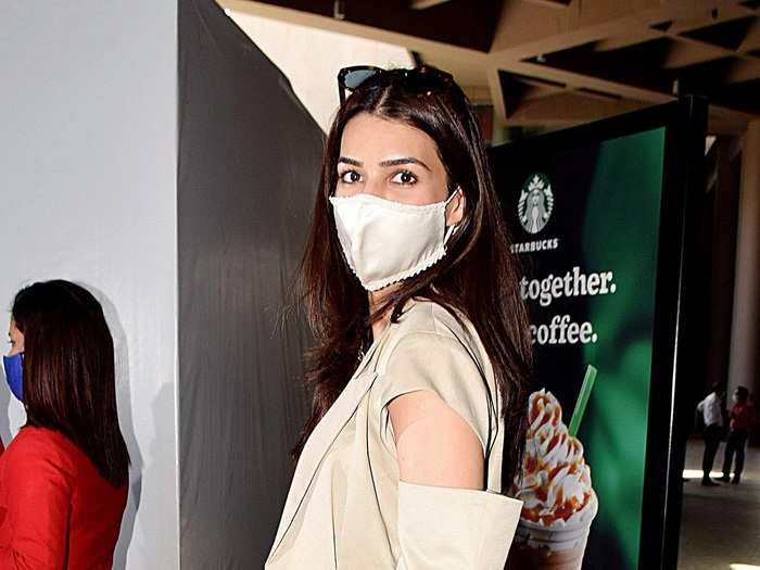 kriti sanon fails to impress with white attire and cut out jacket