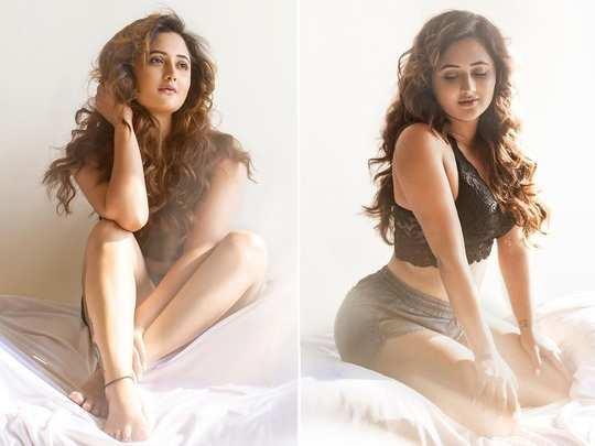 Rashami Desai Sleepwear Photoshoot In Bedroom: Monalisa & Srishty Rode  Calls It Fire - रश्मि देसाई ने बेडरूम में करवाया बिंदास फोटोशूट, अंगड़ाई  देख मोनालिसा भी हो गईं घायल ...