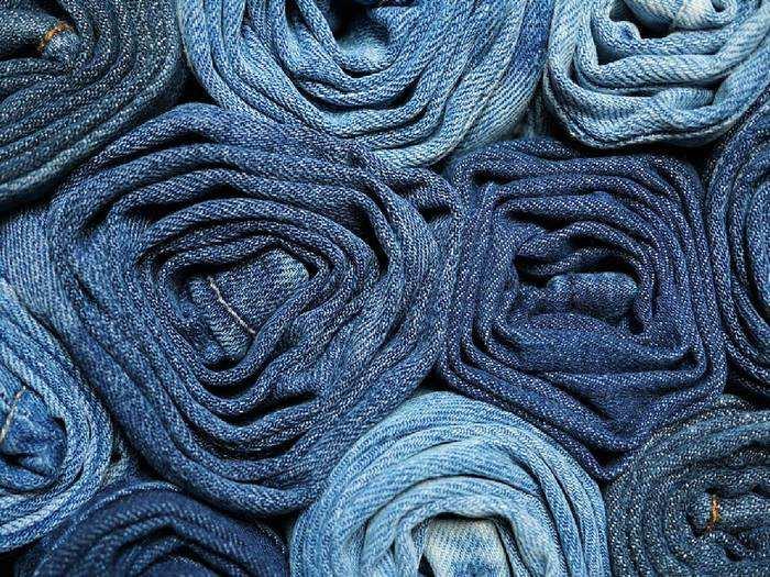 Mens Jeans : कैजुअल आउटफिट में टीशर्ट के साथ Jeans दिखेगी बेस्ट, सस्ते में यहां से खरीदें