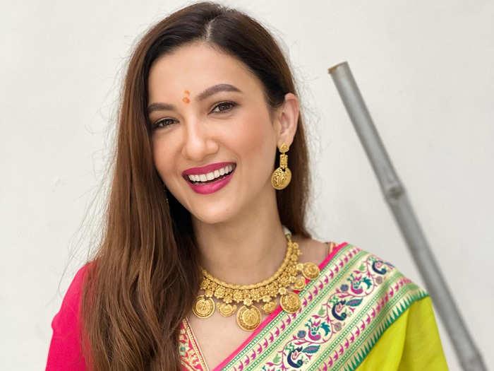 gauahar khan looks beautiful in chikankari kurta